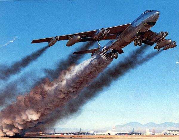 Boeing_B-47B_jato