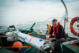 Guidance Officer (GUIDO) Nyboe at a reflective moment by Nexø I, cup noodles in hand. Photo: Thomas Pedersen.