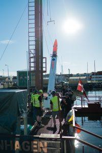 Nexø I is hoisted onto the rail on Sputnik. Photo: Thomas Pedersen.