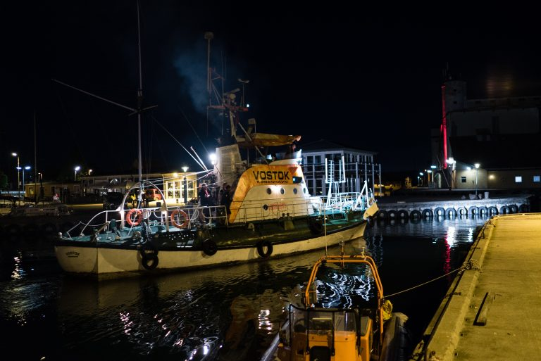 Vostok leaves port to try to rectify the network problems. Photo: Thomas Pedersen.